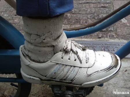 FIRST RIDEのリアルな靴ひも