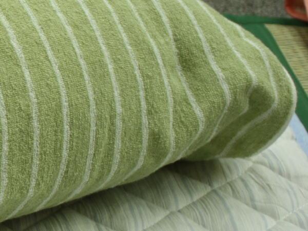 今治タオルのリバーシブルのびのび枕カバーの表面