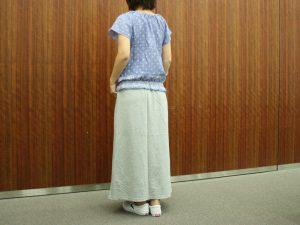 マキシスカートと合わせて 後ろ