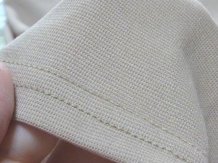 手触りはちょっぴり化学繊維系