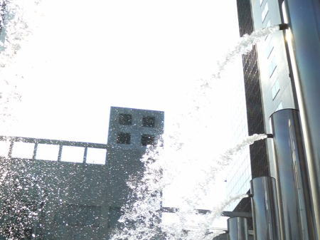 新梅田シティの噴水