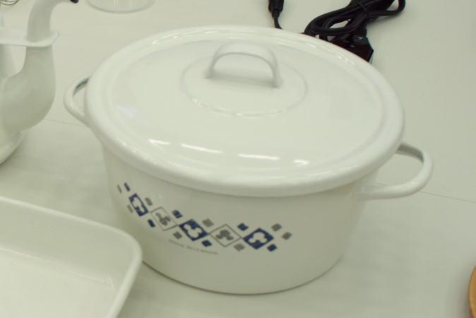 ホーロー製のお鍋