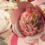 1枚1枚の花弁でできていた!日比谷花壇のペタロ・カーネーションのラッピング