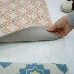 玄関用だから細かな砂汚れをキャッチ フェリシモのタイル模様のフロアシートは応用力あり