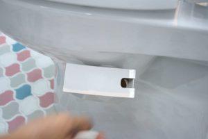 トイレ便器にピタッと付きます