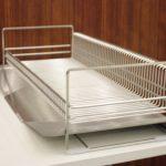 お皿のサイズを気にせず立てて置ける!ベルメゾンデイズのステンレス製水切りカゴ