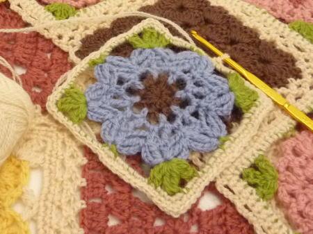 お花モチーフの かぎ針編み