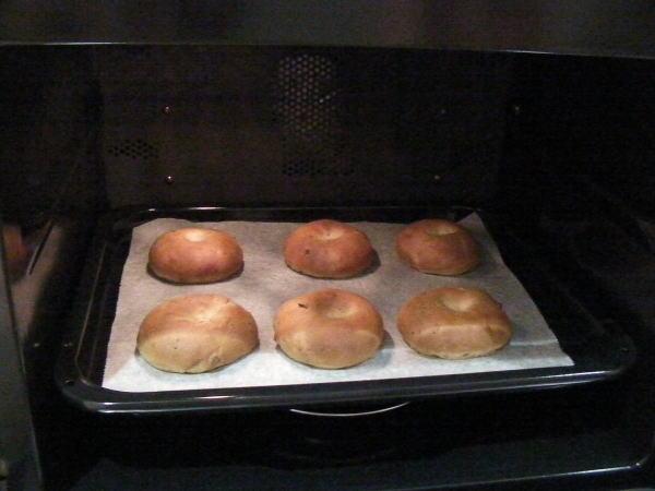 オーブンの中のパン