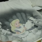 大人が楽しめるアート感 ディズニーの名場面Tシャツ