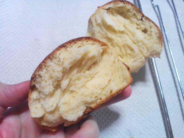 焼きあがったパン