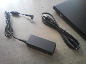 電源コードとACアダプター