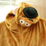 いつもの普段着にプラスするだけでディズニーのハロウィーン仮装を完成させる方法