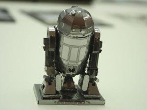 R2-D2 背後