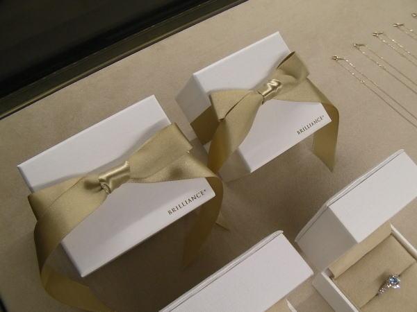 ブリリアンス+の結婚指輪&婚約指輪の箱