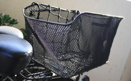 自転車の後ろカゴ