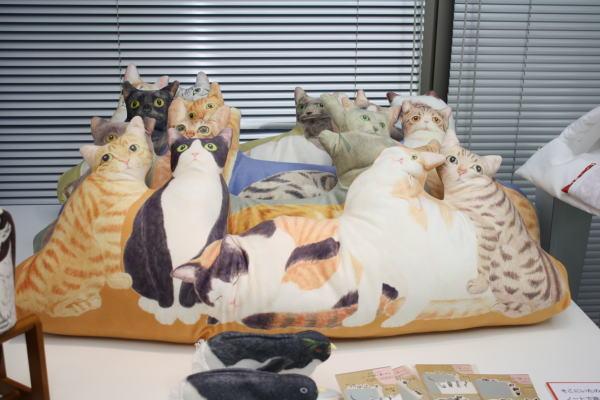 フェリシモの猫まみれになれるクッション
