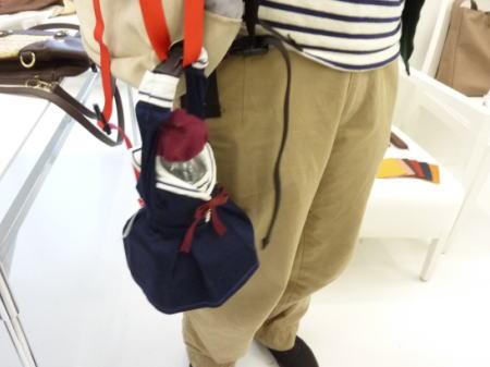 鞄にぶら下げるとこんな感じ