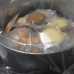 インパクトのある手土産にするなら、ナカイのバケツ缶入りクッキーがおすすめ