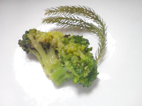 ブロッコリーバジル香味