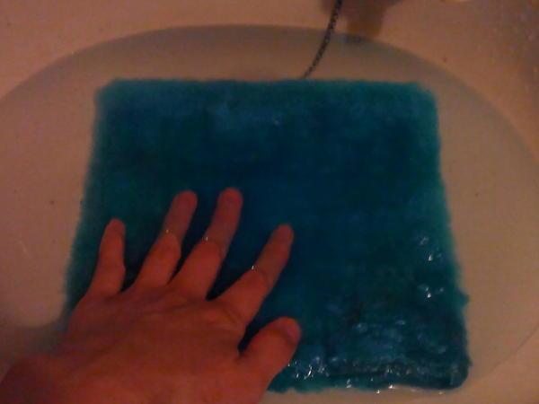 水で洗ってみる