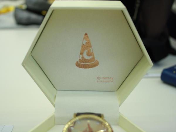 ファンタジア 腕時計 蓋裏