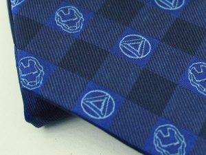トニー・スタークのネクタイ ブルー