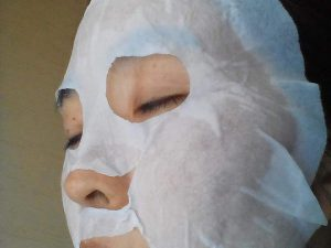 フェイスマスク活用中